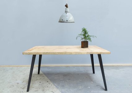 Ella I dining table