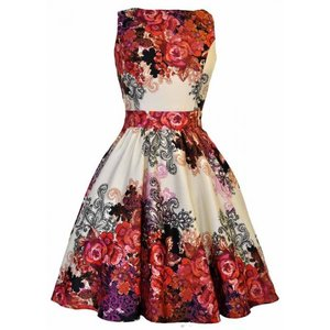 Lady Vintage: Red Rose Tea Dress