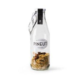 Pineut Likeur Pineut Heilig Neutje-Fles 750ML