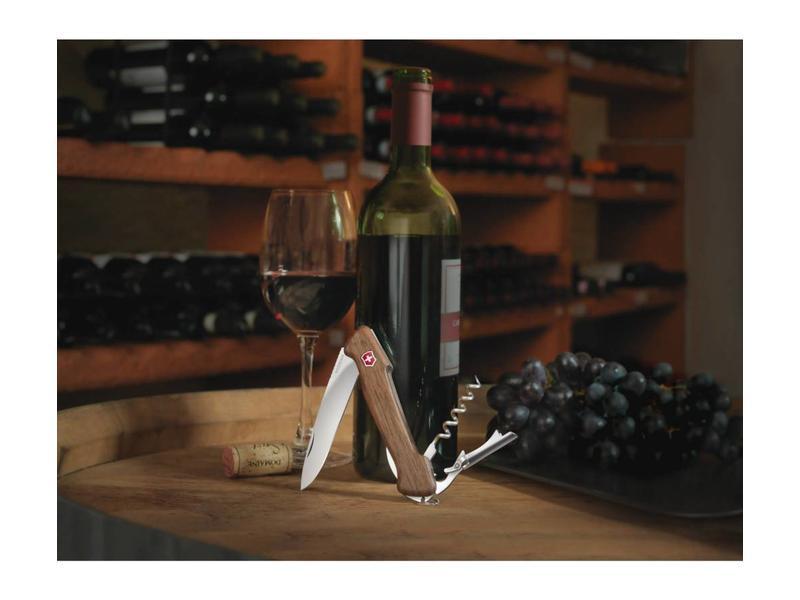 VICTORINOX Wine Master (Walnoothout)