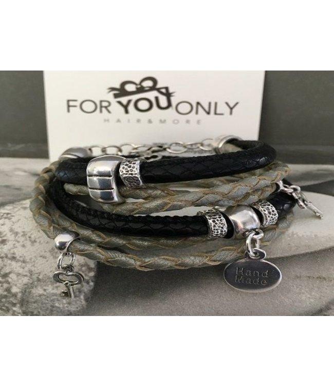 For-You-Only custom made Wikkelarmband zwart/groen sleutel