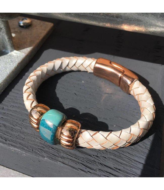 For-You-Only custom made Wit leren armband met Roségoud