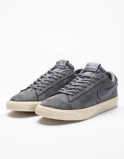 Nike SB x Antihero Zoom Blazer Low QS GT Dark Grey