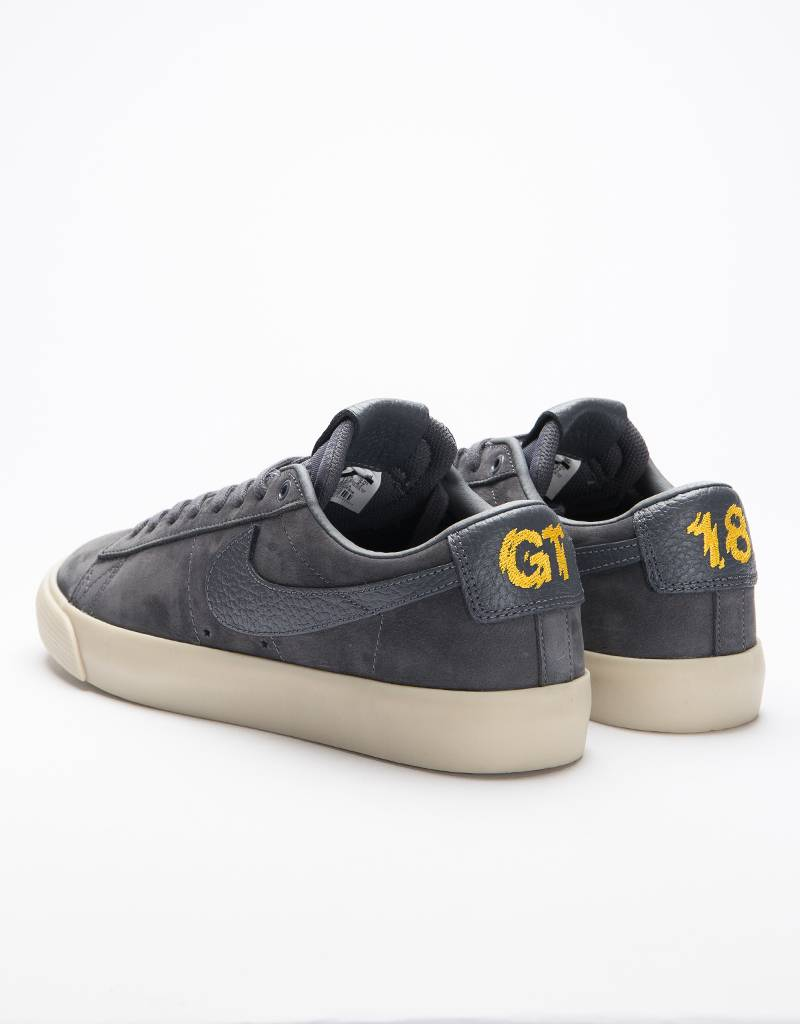 Nike SB x Antihero Zoom Blazer Low QS GT Dark Grey