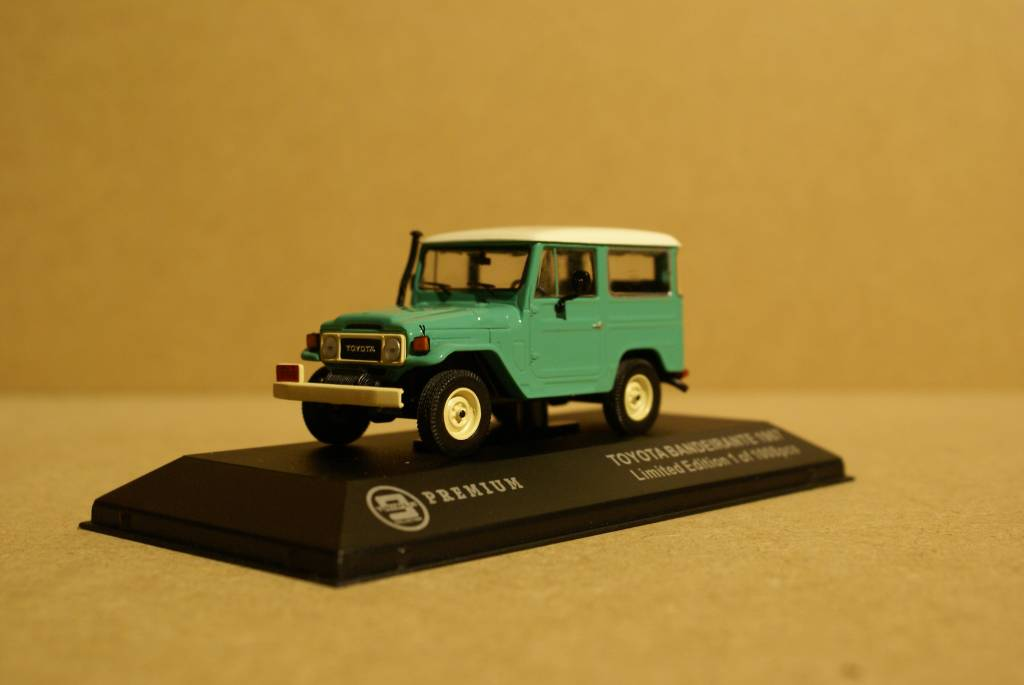 Toyota 1968 Toyota Bandeirante (Land Cruiser FJ40), green with white roof
