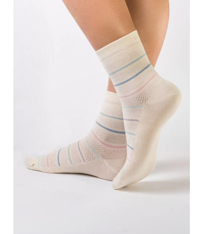 Conte Classic ladies' socks with pastel stripes