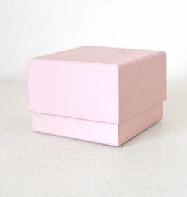 Vierkant roze doosje