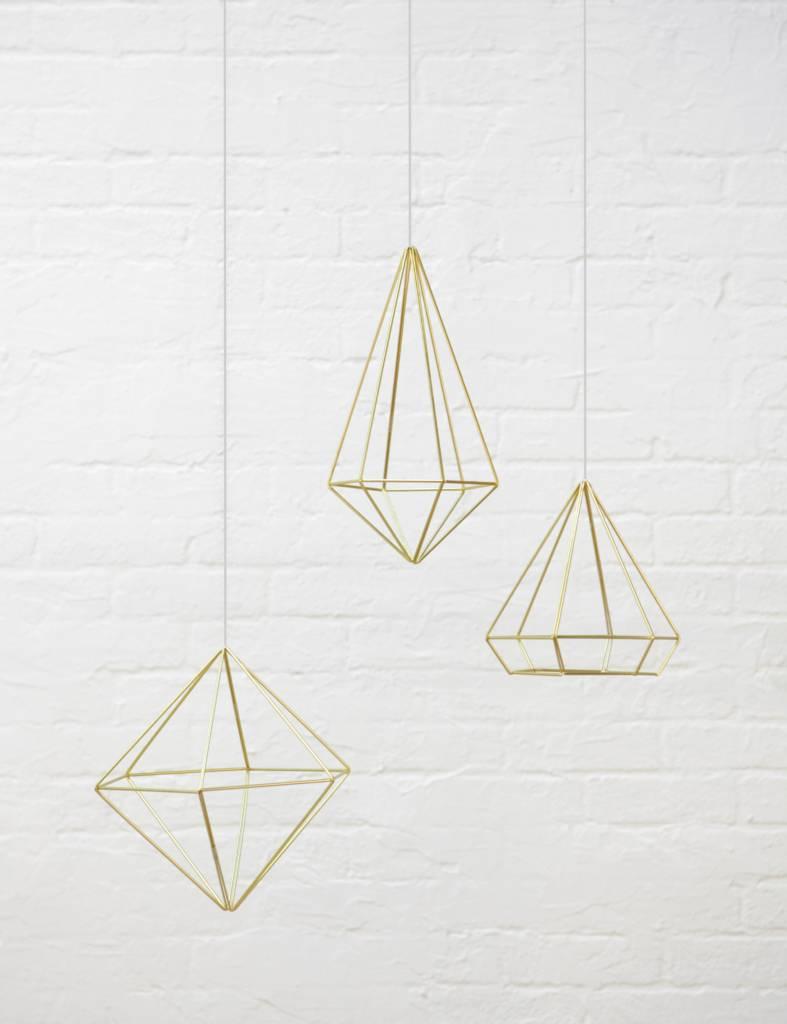 Gouden 'Prisma wall decor' van Umbra voor luchtplantjes