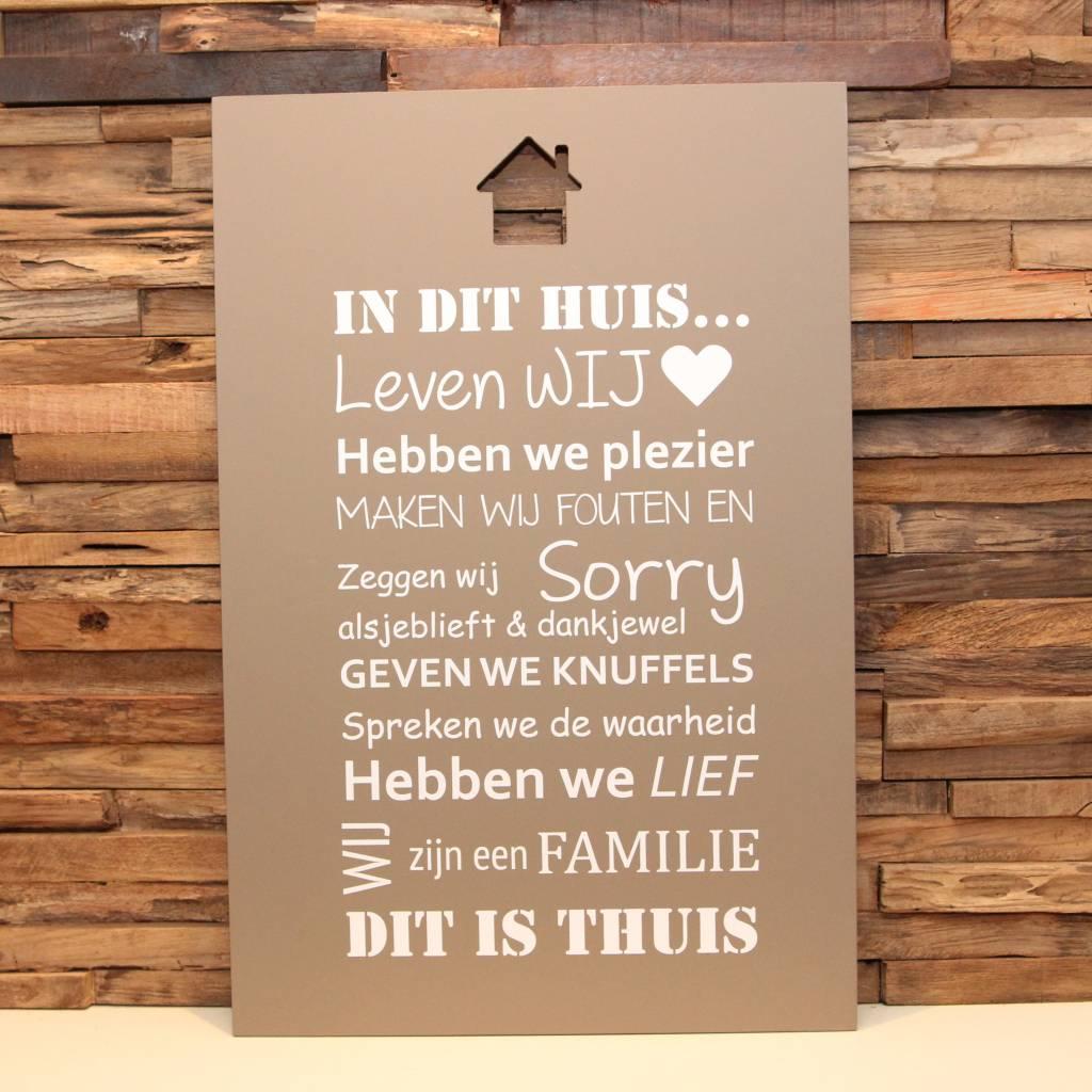 DDVM Tekstbord In Dit Huis Familie