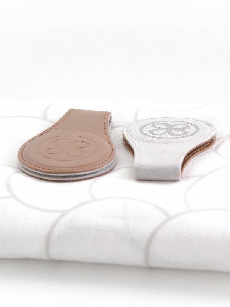 Cloby Clip Swaddle & Clips Bruin