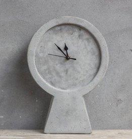 Kolony Cement Klok Staand