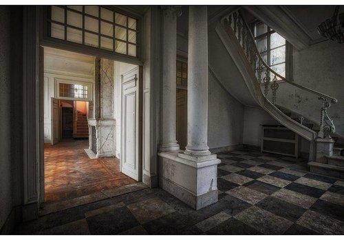 Steven Dijkshoorn Black and White entrance