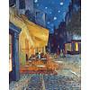 Cafeterras bij nacht