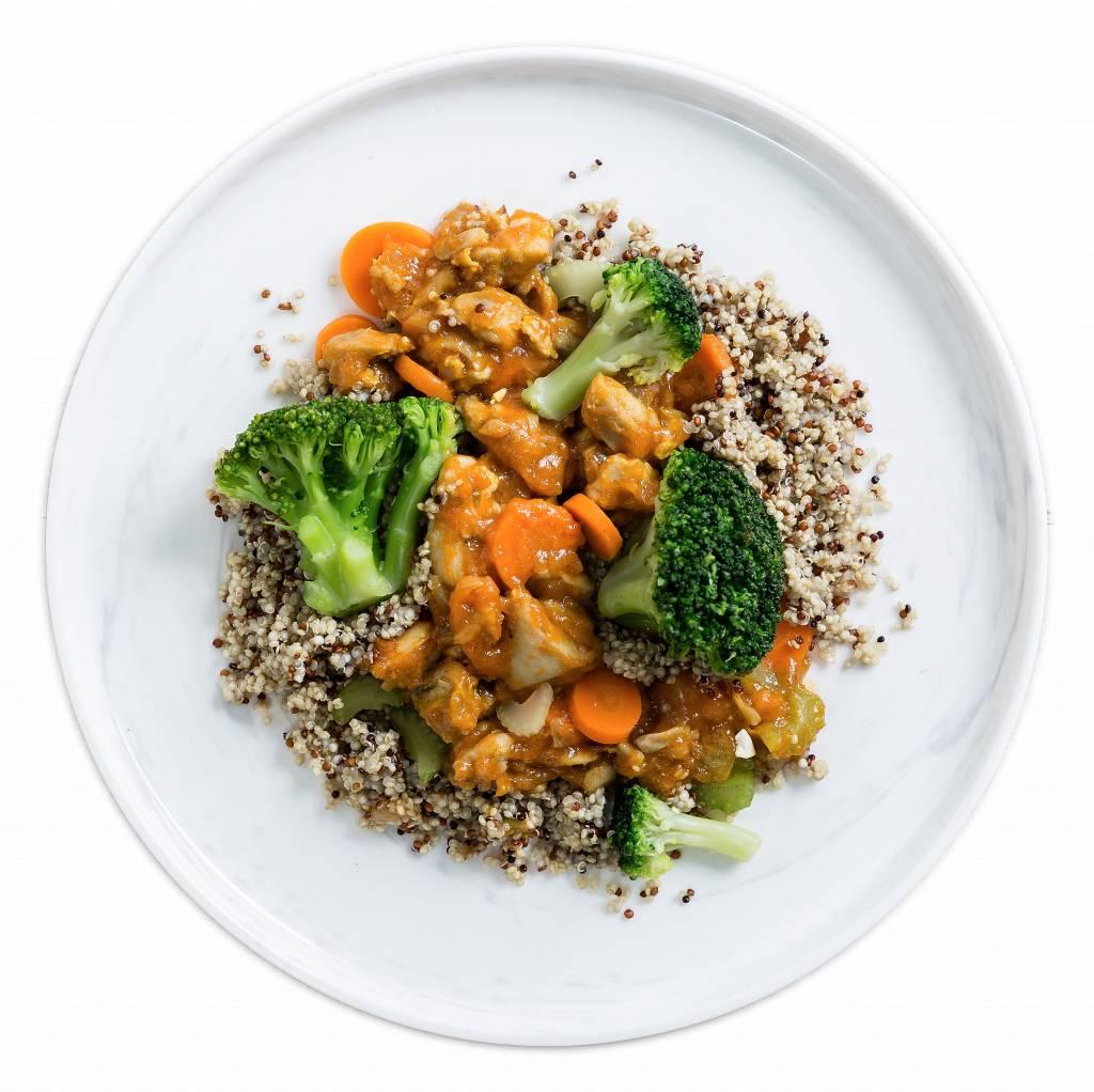Kipstoofpot met quinoa en broccoli