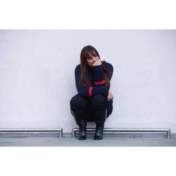 Knitted oversized sweater dark blue red stripe