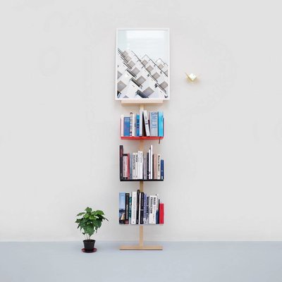 MWA Stilt artwork stand