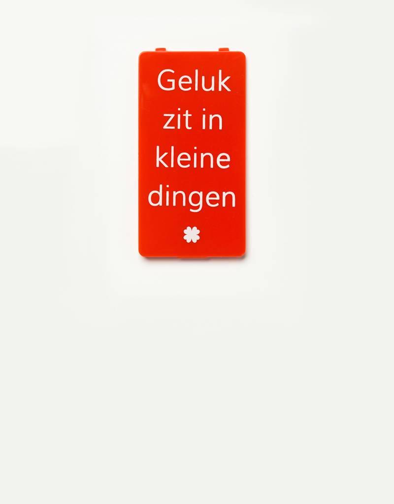 YOU·P® YOU·P® cover | red | Geluk Zit In Kleine Dingen