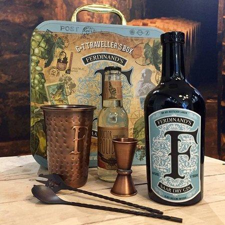 Capulet & Montague Ltd Ferdinand's Travellers Box Gin 44°