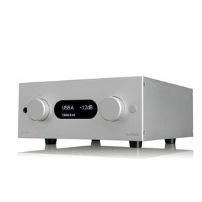 AudioLab M-ONE amplifier