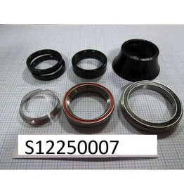 Specialized SPECIALIZED STEUERSATZ ROAD 1-1/8 STEEL UPPER/1-3/8 STEEL LOWER W/ALLOY SPACER SET