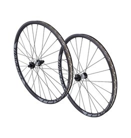 Specialized Roval Traverse Fattie 650B 148 Laufradsatz / Wheelset
