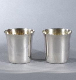 MANKS ANTIQUES PAIR OF SILVER BEAKERS WITH GOLD PLATED INTERIORS