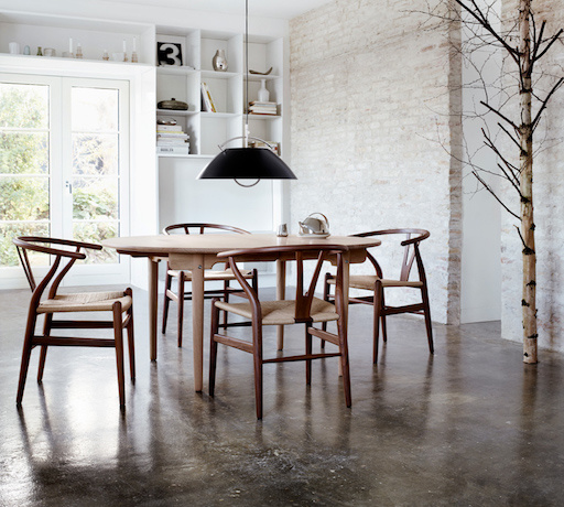 CARL HANSEN & SON CH337 EXTENDABLE DINING TABLE IN SOLID WALNUT