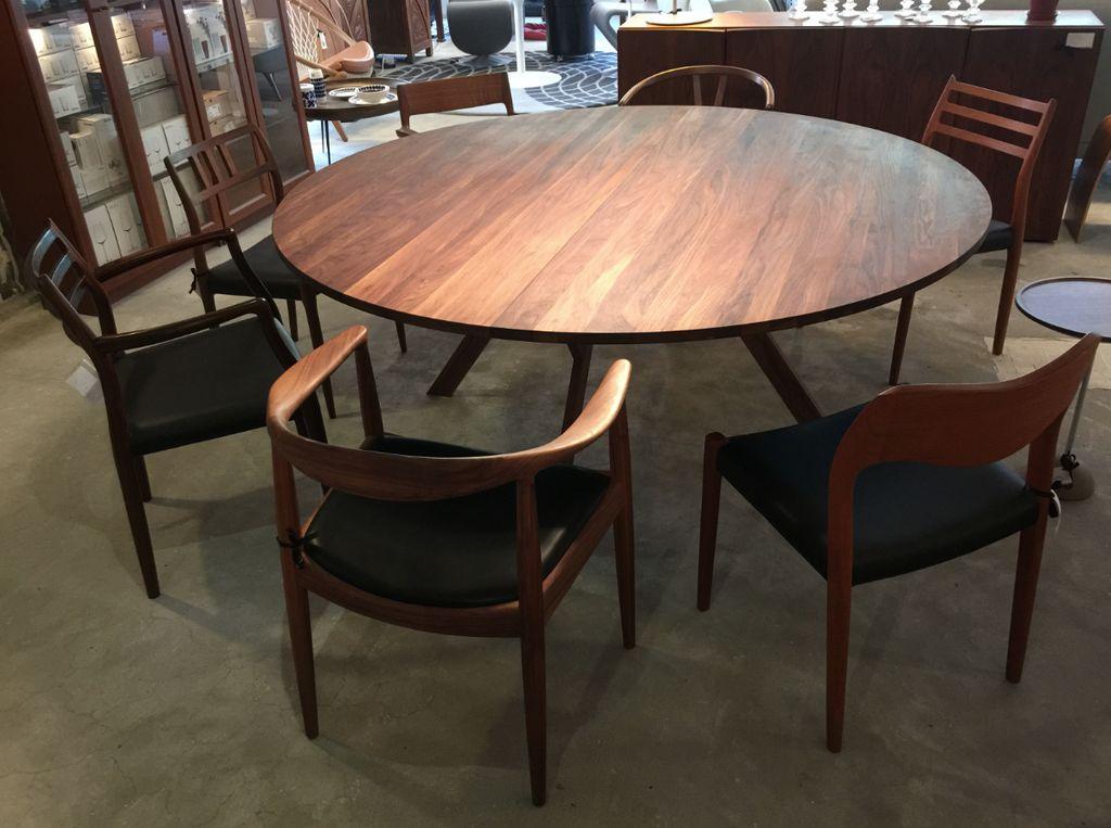 3180 YPSILON CUSTOM ROUND DINING TABLE, FIVE LEGS
