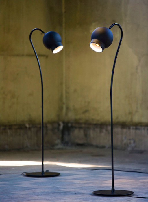 ATELJE LYKTAN OGLE LED FLOOR LAMP IN BLACK