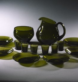 MANKS ANTIQUES TUPA HAND-BLOWN MOSS-GREEN GLASS LIQUEUR SERVICE FOR SIX