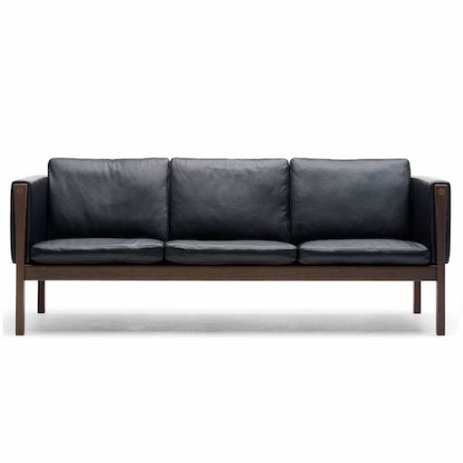 CH163 3-SEATER SOFA IN SOLID WALNUT BASE