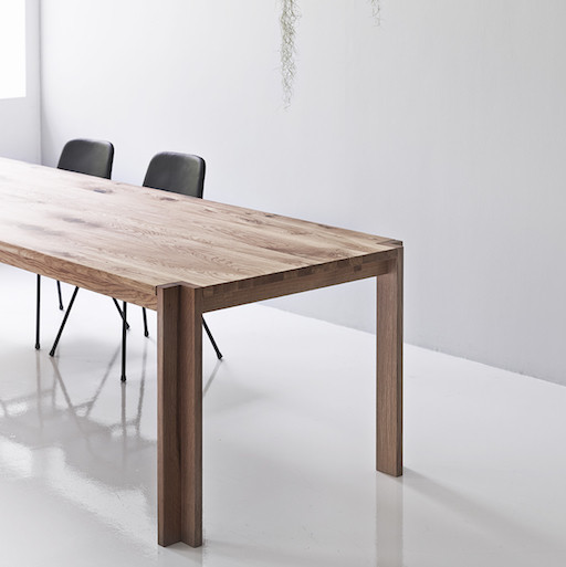 DK3 JEPPE UTZON TABLE #1 IN WILD OAK SANDWICH