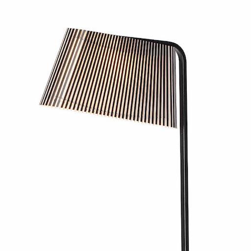 OWALO 7010 FLOOR LAMP IN BLACK