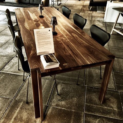 JEPPE UTZON TABLE #1 IN WILD WALNUT SANDWICH