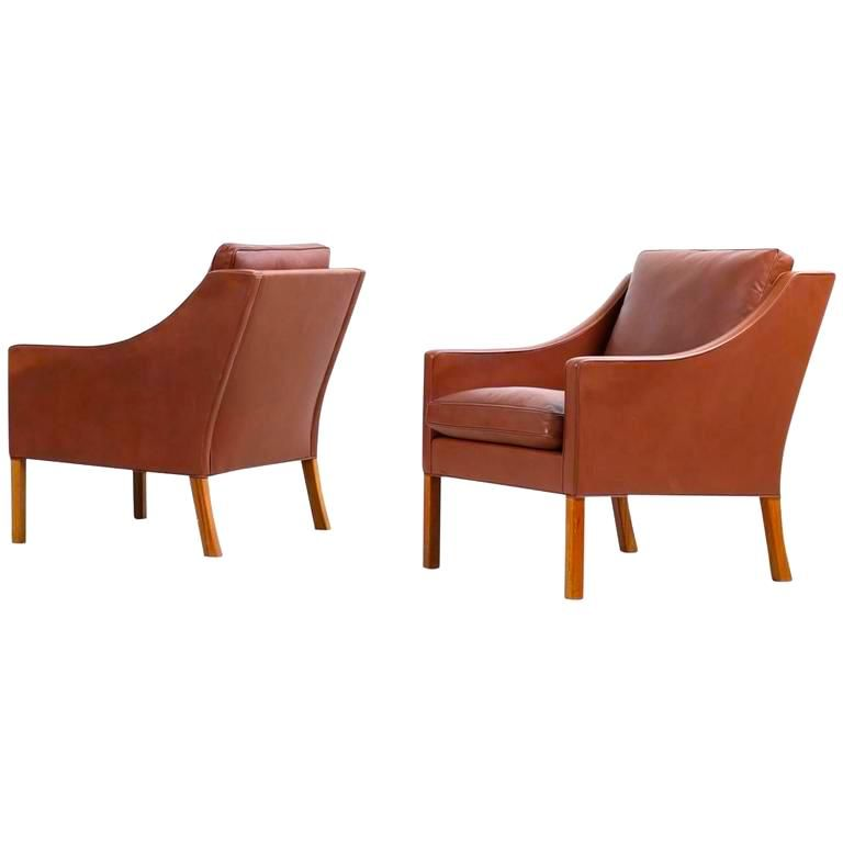 FREDERICIA 2207 LOUNGE CHAIR IN LEATHER