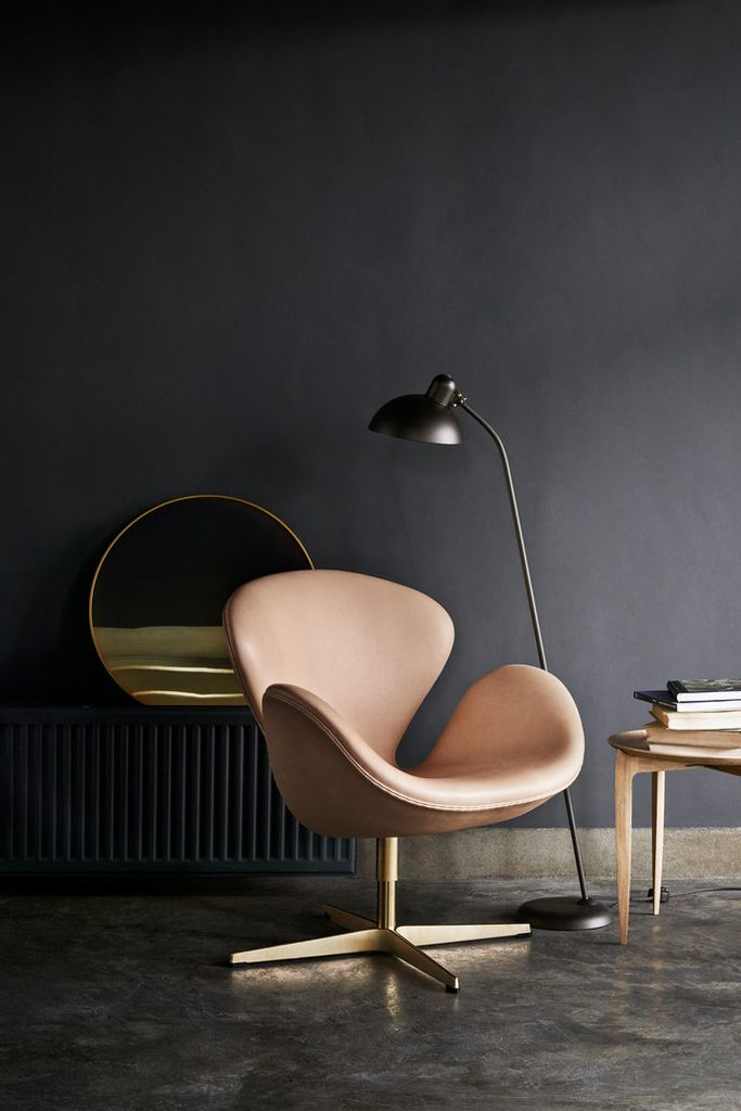 60TH ANNIVERSARY SWAN CHAIR