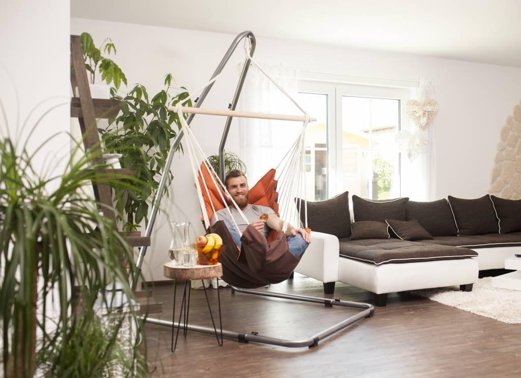 Breng sfeer in huis met een hangstoel