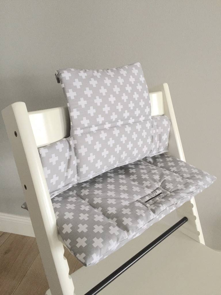 sitzkissen kreuze grau f r stokke tripp trapp puckdaddy puckdaddy. Black Bedroom Furniture Sets. Home Design Ideas