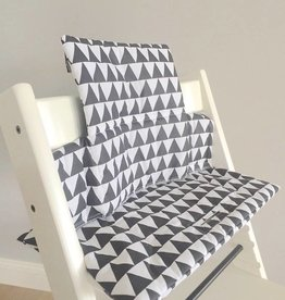 "Coussin ""Triangles blanc"" pour chaise haute Stokke Tripp Trapp"