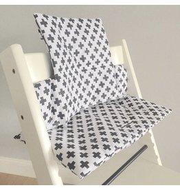"""Coussin """"croix noir/blanc"""" pour chaise haute Stokke Tripp Trapp"""