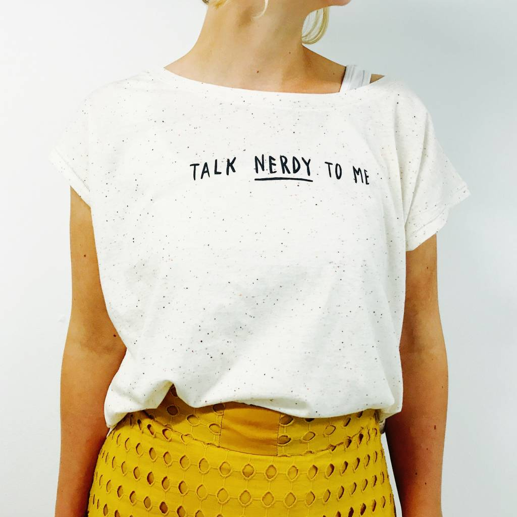 Organic cropped t-shirt: Talk nerdy to me - Ecru nappy mandarine