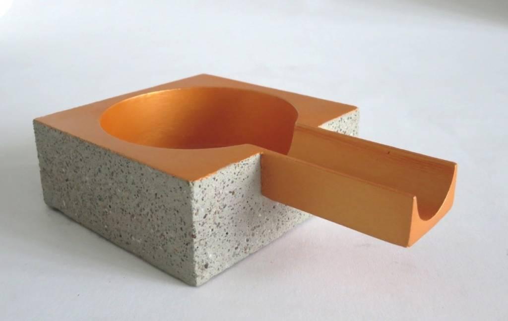 aus beton ksten aus beton richtig bepflanzen schale aus. Black Bedroom Furniture Sets. Home Design Ideas