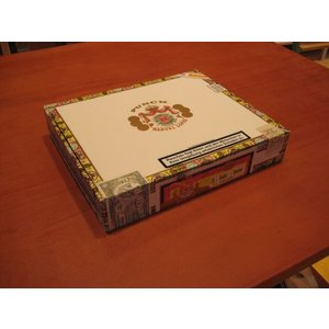 Punch Double-Corona (25er Kiste)