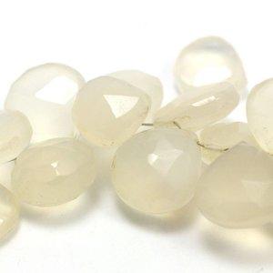Chalcedoon briolette ca. 10 mm 'hart' (per stuk)