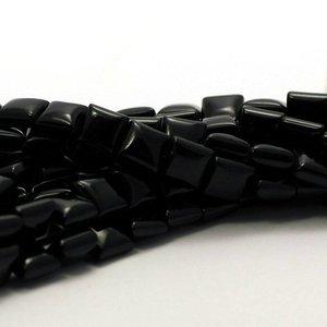 Onyx kralen vierkant 8x8 mm (streng)