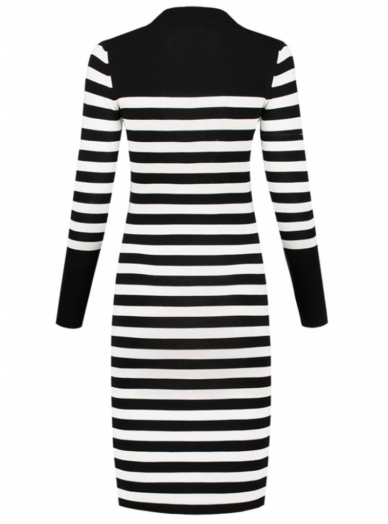 Zwart wit gestreepte jurk nikkie