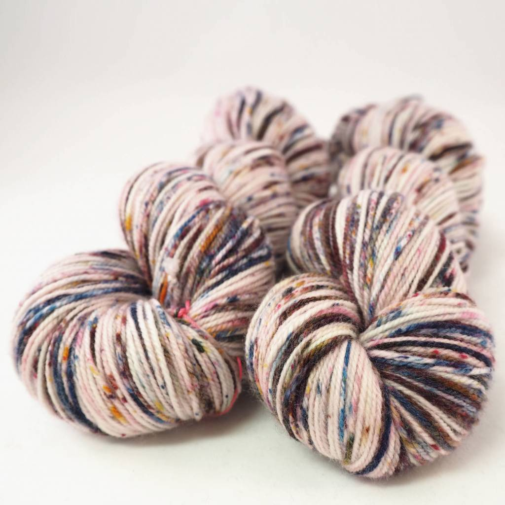 Madelinetosh TWIST LIGHT - HOROSCOPE