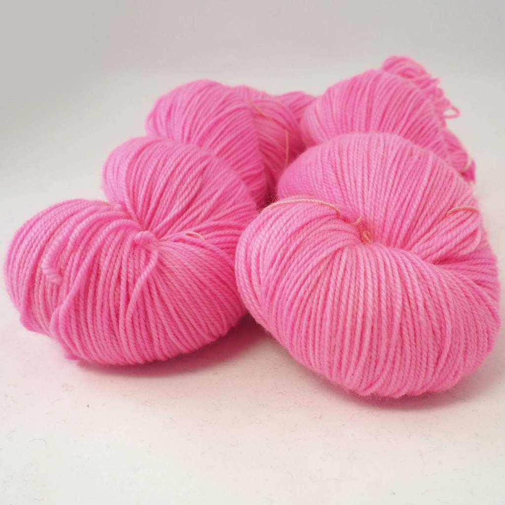 Madelinetosh TWIST LIGHT - NEON PINK