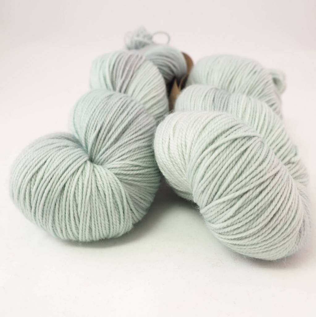 Madelinetosh TWIST LIGHT - SILVER LEAF