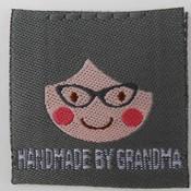 Innaailabel 'Handmade by grandma' grijs